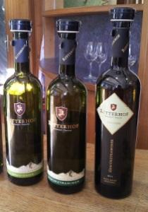 Tre vini in degustazione alla cantina Ritterhof