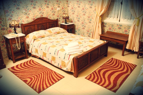 Una camera da letto tipo dell'Acropolis Hotel (foto tratta dal sito dell'albergo)