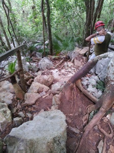 L'uscita non proprio agile dalla Cueva