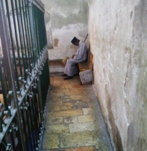 Un momento di calma nella chiesa etiope