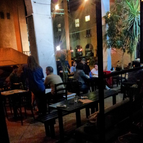 I tavoli all'aperto del Port Said