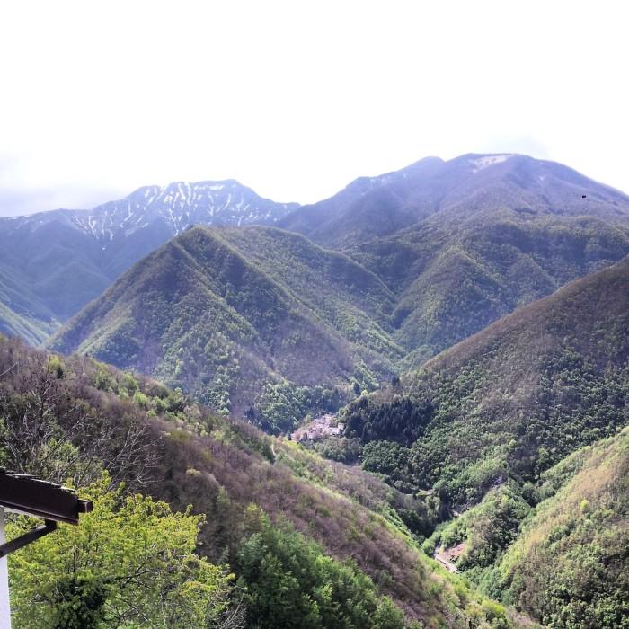 Pianaccio annidato fra i monti