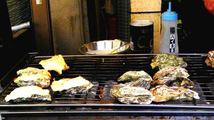 Le enormi ostriche giapponesi