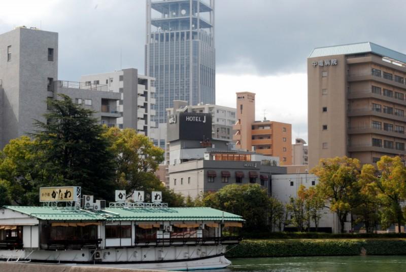 La barca-ristorante Kakifune Kanawa