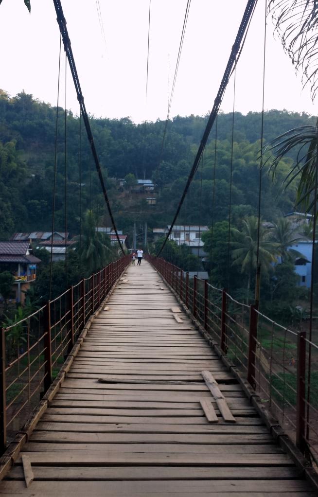 Il ponte sospeso di Muang Khua