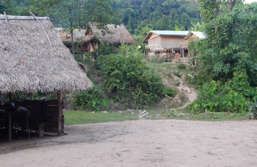 Trekking nella giungla in Laos: il nostro villaggio